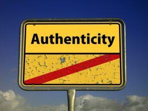 introwertiert Schild authentisch sein